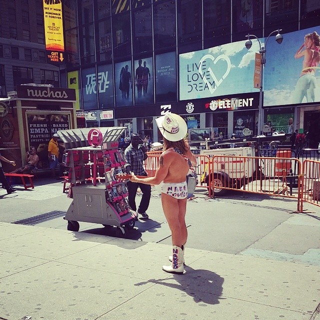 new york city naked cowboy